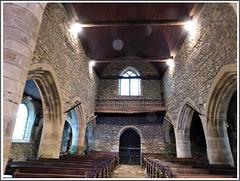 Intérieur de l'église de Guenroc (22)
