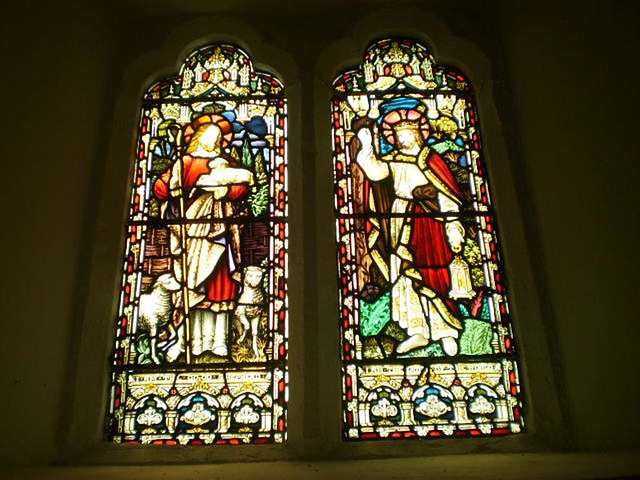 Stained glass windows (1895).