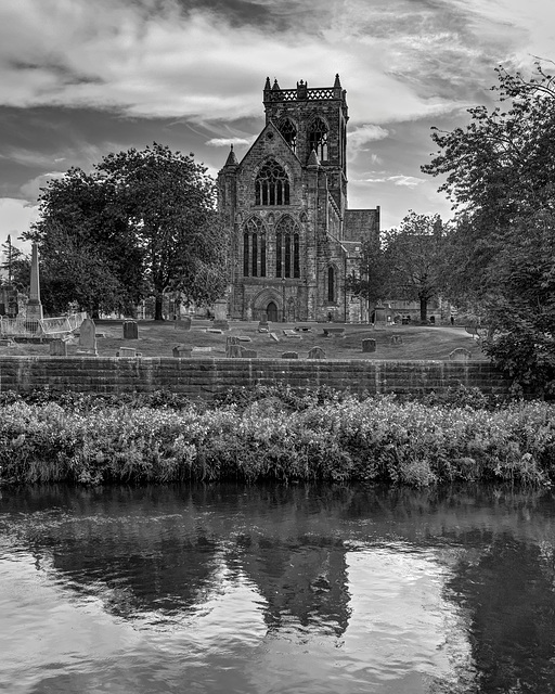 Paisley Abbey and the White Cart Water