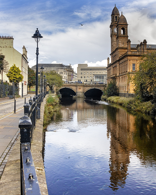 Paisley Town Hall and the White Cart Water