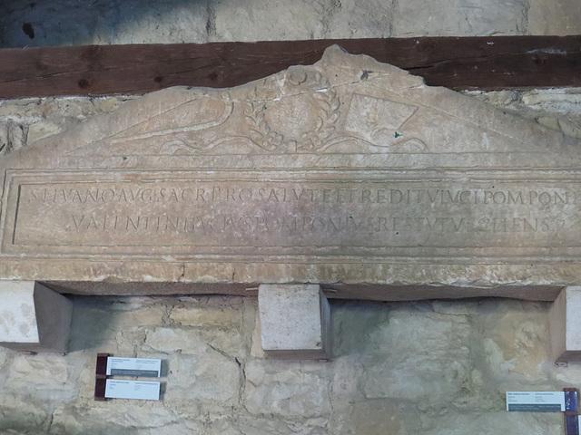 Musée archéologique de Split : IlJug III, 2774.