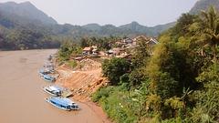 La rivière Nam avec ses charmantes embarcations