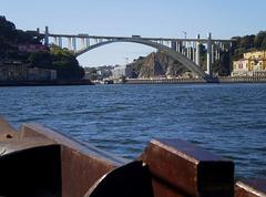 Arrábida Bridge (1963).