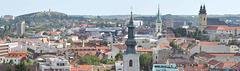 Panoramo de la urbo Nitra, gastiganto de la 101-a UKo
