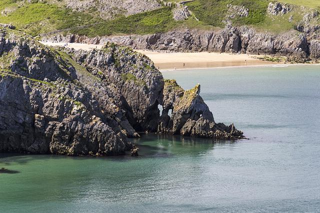 Lattice Windows sea arches and Barafundle Bay