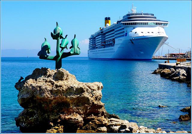 Costa Mediterranea nel porto di Rodi - (611)