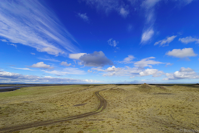 Vulkanlandschaften - neben der Ringstrasse (© Buelipix)