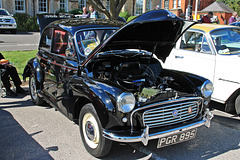 Morris Minor 2 door saloon ( c1961 )
