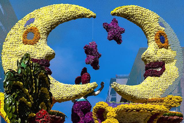 carroza en la batalla de flores de Laredo/15