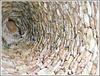 A l'intérieur de la cabane de pierres sèches à Mauzac  (24)