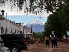 SAN PEDRO DE ATACAMA CON SU VOLCAN LICANCABUR