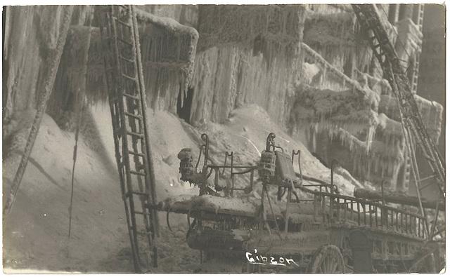 WP2049 WPG - (FIRE - KELLY BLOCK JAN. 14, 1911 - LADDER TRUCK - BACK END)