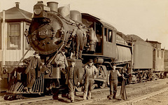 Locomotive 1524 and Its Crew