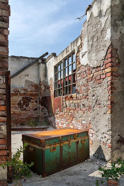 Abandoned Trieste - treasure hunt