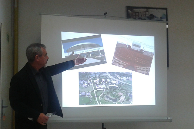 Ján Vajs prezentas kongresejon en Nitra