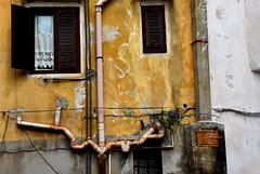 Architektur sizilianischer Abflußrohre