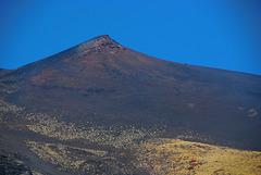 Blauer Himmel über dem Etna