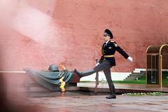 Relève de la garde russe sur la Place Rouge (Moscou)