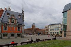 hinter dem Rathausplatz Riga (© Buelipix)
