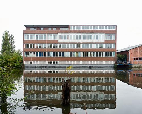 Bürogebäude am Veringkanal // -buerobau-05620-co-23-09-18