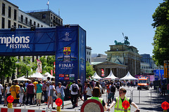 König Fußball regiert Berlin - Soccer is reigning Berlin