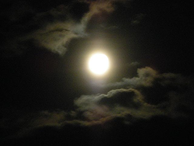 La lune est là ...........
