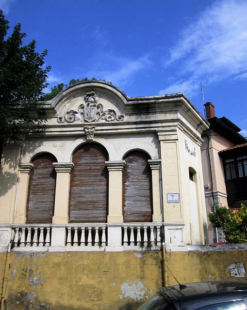 Old Villa, Comillas