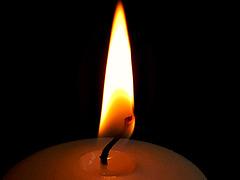 Pour faire durer une flamme, il faut l'entretenir dans l'âme