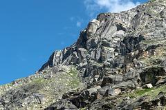 Felsen oberhalb / bei Clapier de Fodan (Bonneval-sur-Arc: La Tralenta - L'Ecot)
