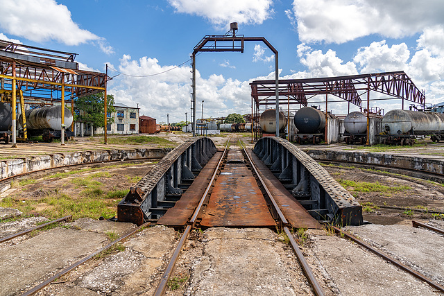 abandoned roundhouse - turntable