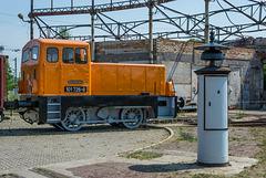 V 18 der Deutschen Reichsbahn und ein Läutewerk