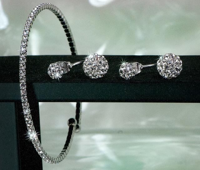 test earrings bling3