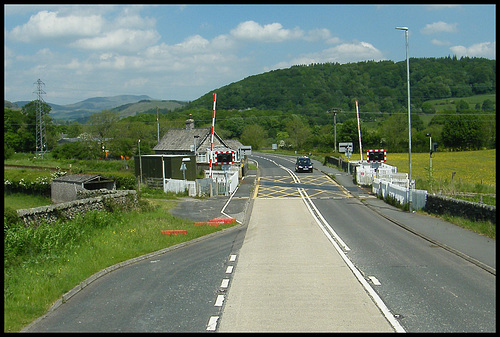 Staveley level crossing