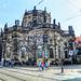 Dresden. Rückseite der Hofkirche mit Übergangsbrücke zum Schloss. ©UdoSm