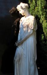 2 (149)f...austria vienna churchxard...zentralfriedhof...with a ghost