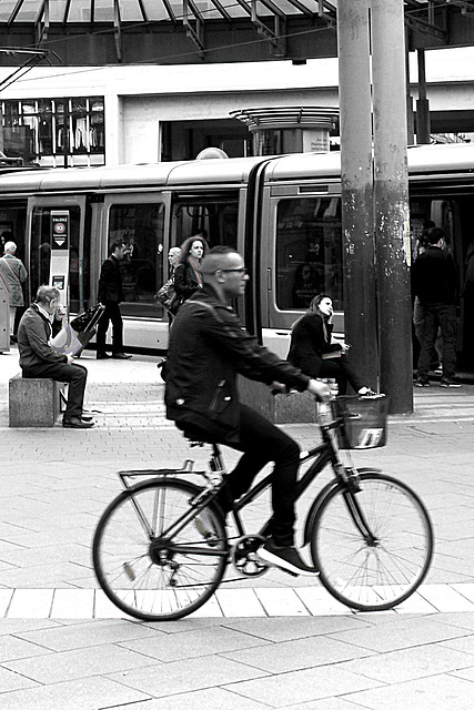 un velo dans la ville
