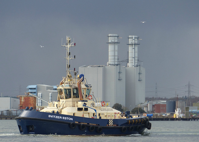 Svitzer Eston at work (3) - 10 January 2016