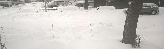 Un véhicule déneigé pour trois encore ensevelis sous la neige