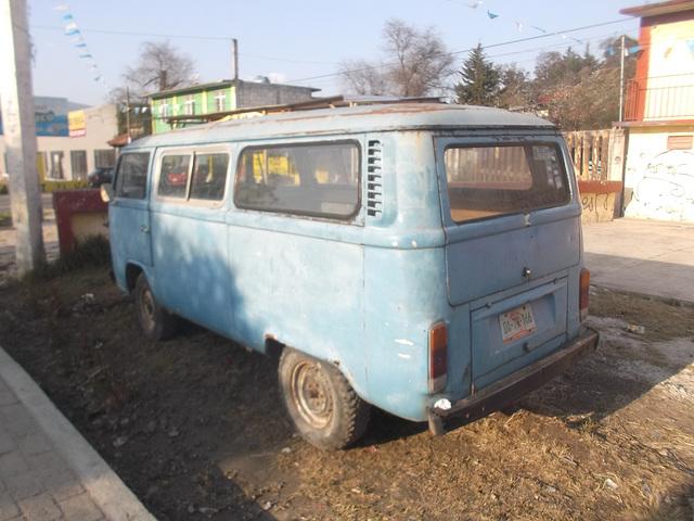 Fourgonnette bleue VW