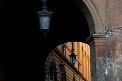 Lampen am Durchgang