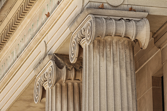 imperialbank of commerce column detail