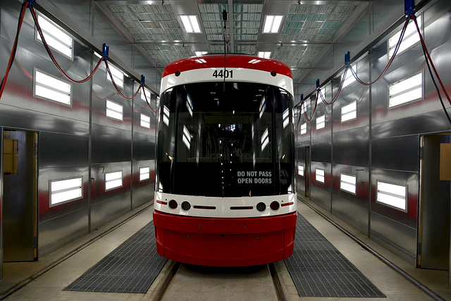 Canada 2016 – Toronto – Doors Open TTC Leslie Barns – Flexity Outlook in the launch tunnel