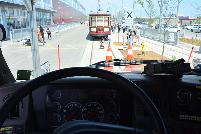 Canada 2016 – Toronto – Doors Open TTC Leslie Barns – Behind the wheel of a rail recovery vehicle