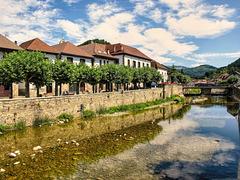 Otxagabia, cruzada por el rio  Anduña. Navarra.