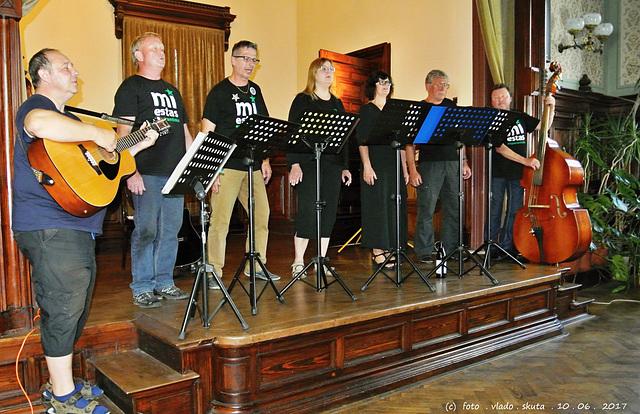 La Muzikgrupo  NOPROBLEM KOSTELEC NA HANÉ ( en Esperanto SENPROBLEME)