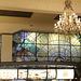 Porto (P) 25 mai 2016. Ancien Café Impérial transformé en restaurant Mac Donald's avec son beau vitrail. On dit que c'est le plus beau Mac Do du monde!...