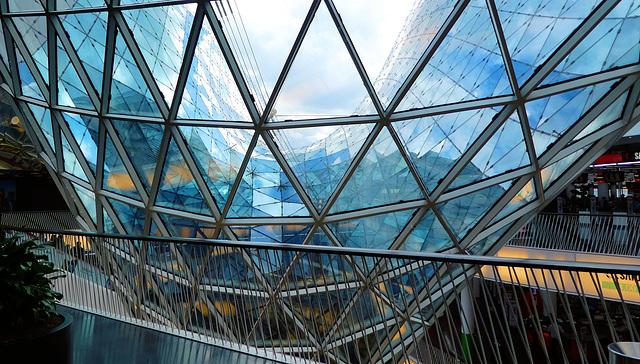 Frankfurt: Einkaufszentrum MyZeil (+ PiP)