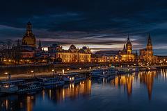 Blaue Stunde an der Elbe / Blue Hour at the River (270°)