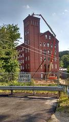 Pont fermé / Closed bridge