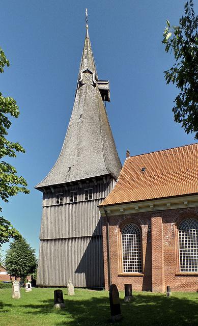 Holz-Kirchturm in Estebrügge
